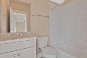 17019 Shoreland Dr Moseley VA-small-035-24-Bedroom En suite-666x445-72dpi