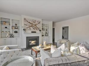 08-Living Room(1)