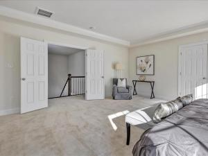 34-Master Bedroom(4)